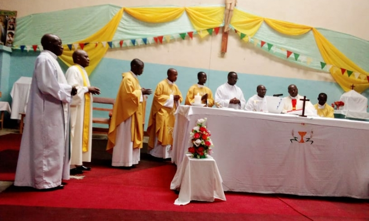 MESSE D'ACTION DE GRACE EN PAROISSE MUKUNGU DU DIOCESE CATHOLIQUE DE BUBANZA
