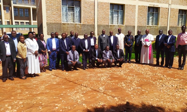 VERS LA FONDATION D'UNE UNIVERSITE CATHOLIQUE DU BURUNDI